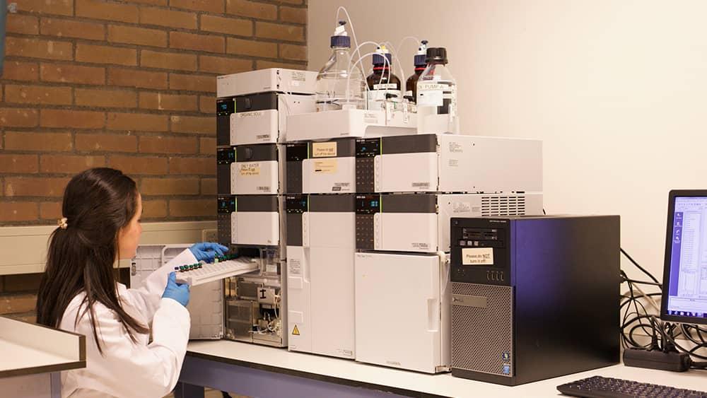 کروماتوگرافی مایع با عملکرد بالا